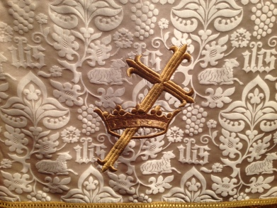 Cross Crown white