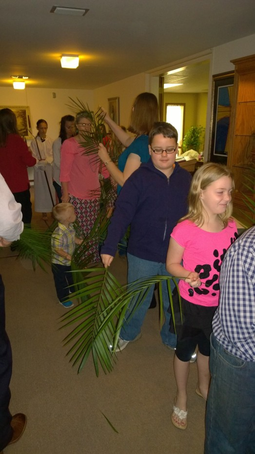 Palm Sunday 2015 Lined Up