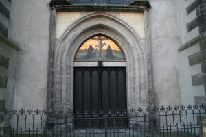 date luther posted 95 theses All saints' church, commonly referred to as schlosskirche on 31 october 1892, 375 years after luther posted his 95 theses on the doors of the church.